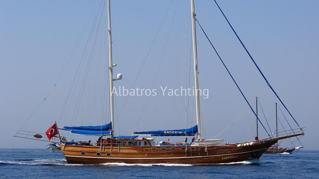 Gulet Enderim A Yacht, built in 2005, is a luxury yacht with a le - Albatros
