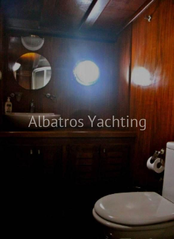 The Grande Mare gulet yacht offers luxurious service. - Albatros