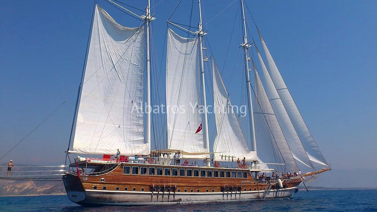 Our gulet yacht Grand Admiral is one of our flagships. - Albatros