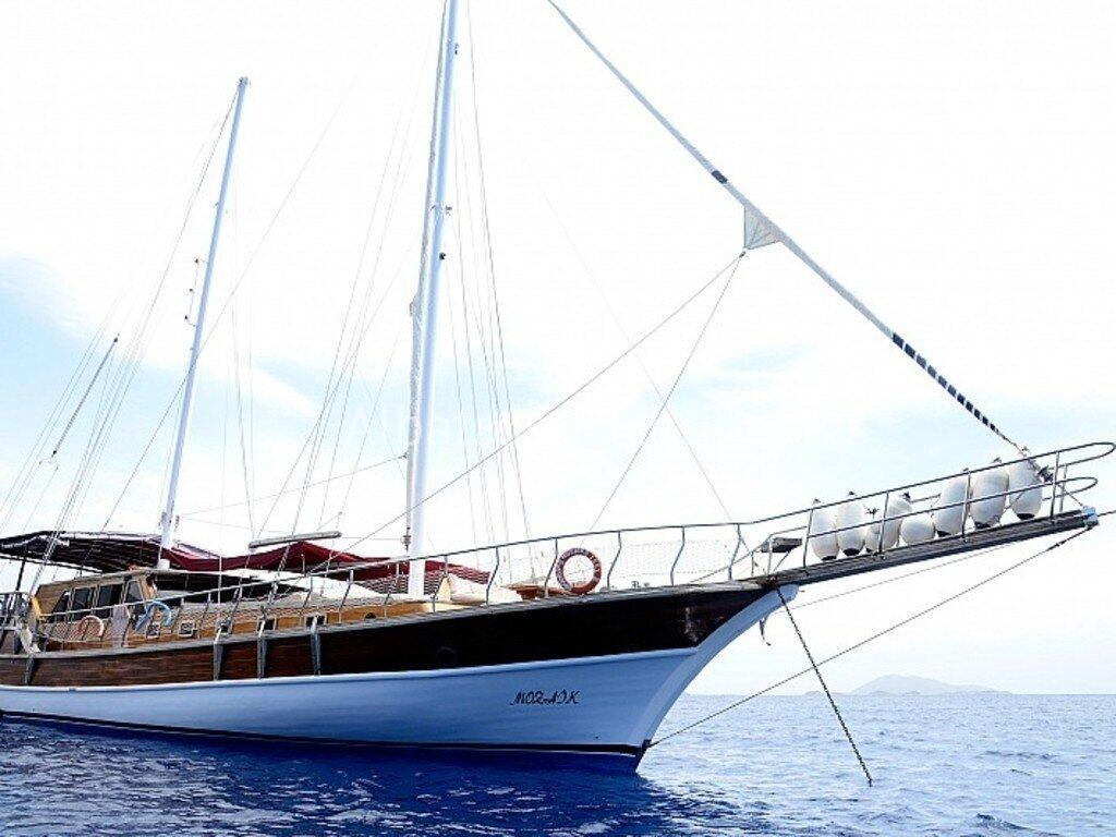 Gulet Mozaik can accommodate up to 16 guests in 8 cabins. - Albatros
