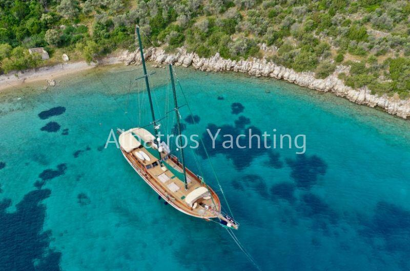 Ros Mare Yacht Charter - Albatros