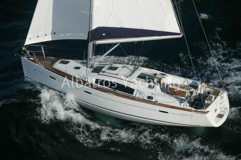 Beneteau Oceanis for the bare boat lovers. Charter this 3 cabins  - Albatros