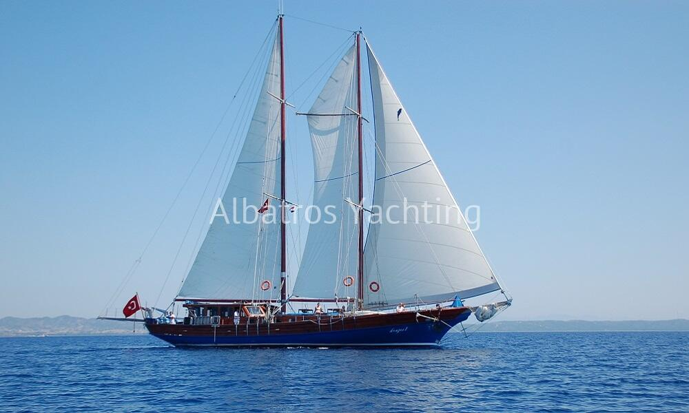 Kuğu 1 is based in Bodrum with its 6 cabins is a standard gulet - Albatros