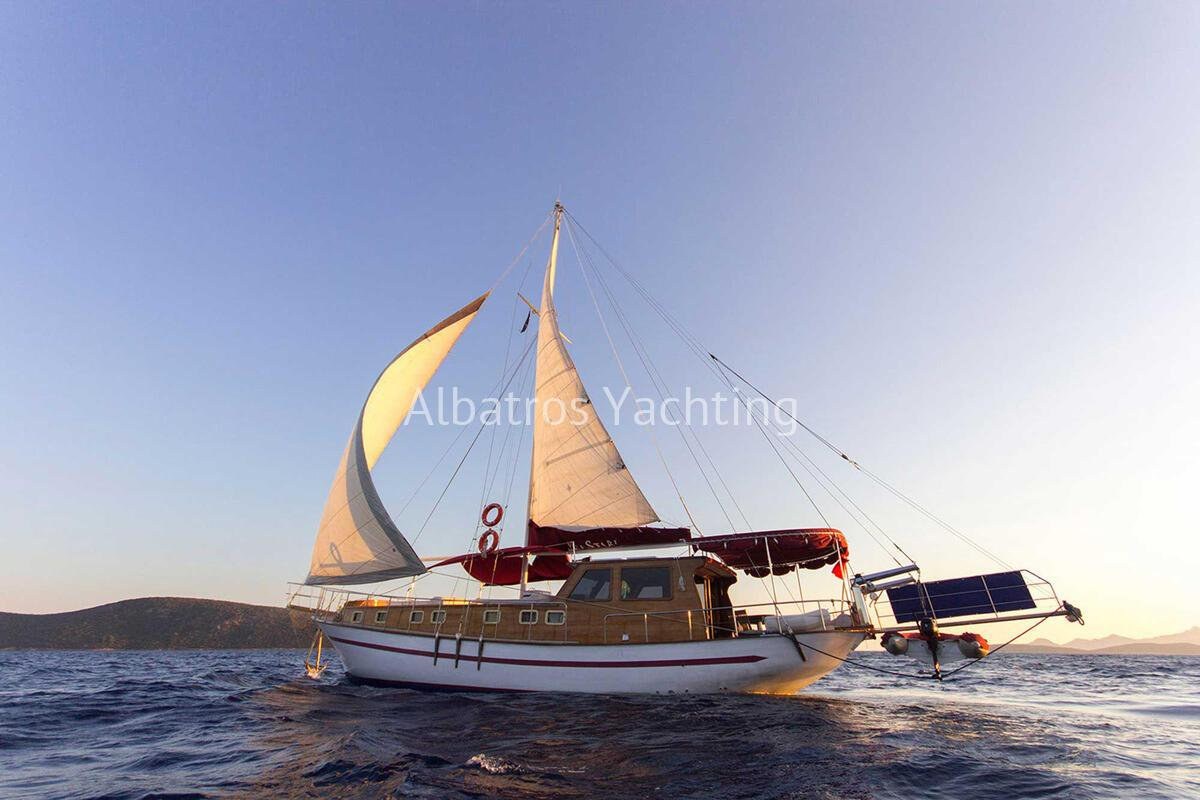 Gulet Sea Star is an economic priced 3 cabin standard yacht.  - Albatros