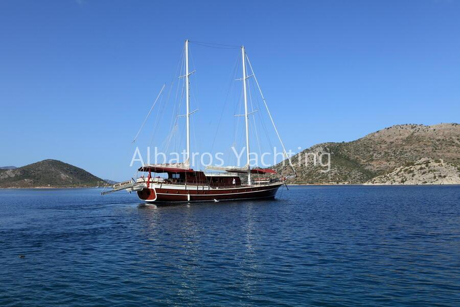 Gulet Anil Kaptan based in Marmaris is a standard gulet . - Albatros