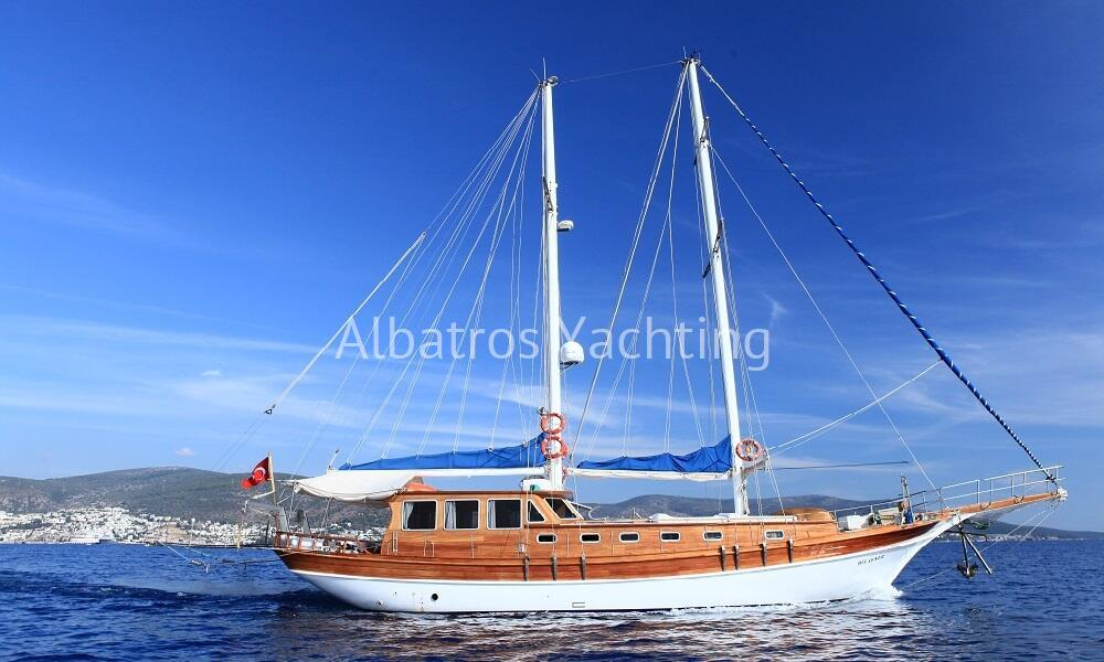 Dilaynur is a 4 cabin yacht based in Bodrum  - Albatros