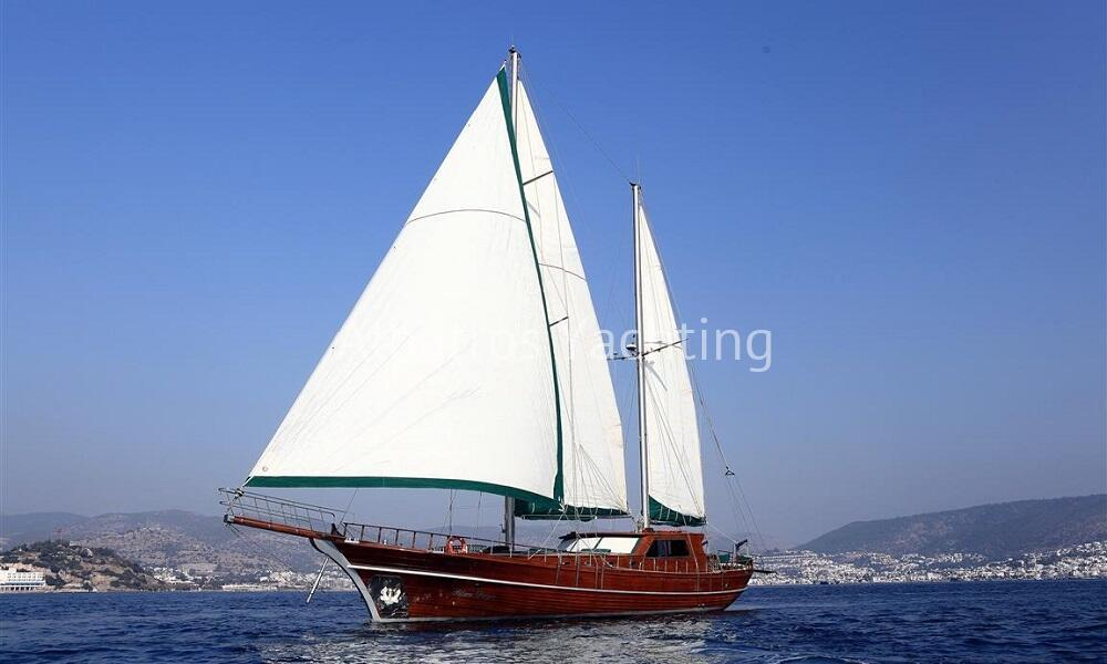 Blue Days is a 24 M gulet based in Bodrum  - Albatros