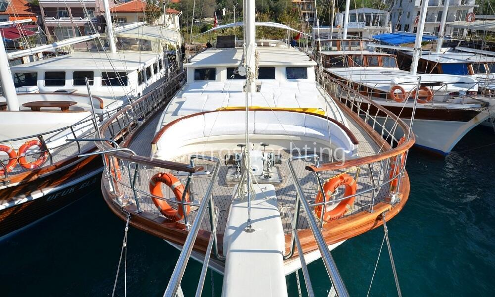 Çağan is a luxury 6 cabin yacht based in Marmaris - Albatros