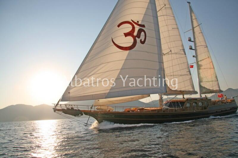 Shanti Gulet Yacht has a length of 33 meters comfortable yacht. - Albatros