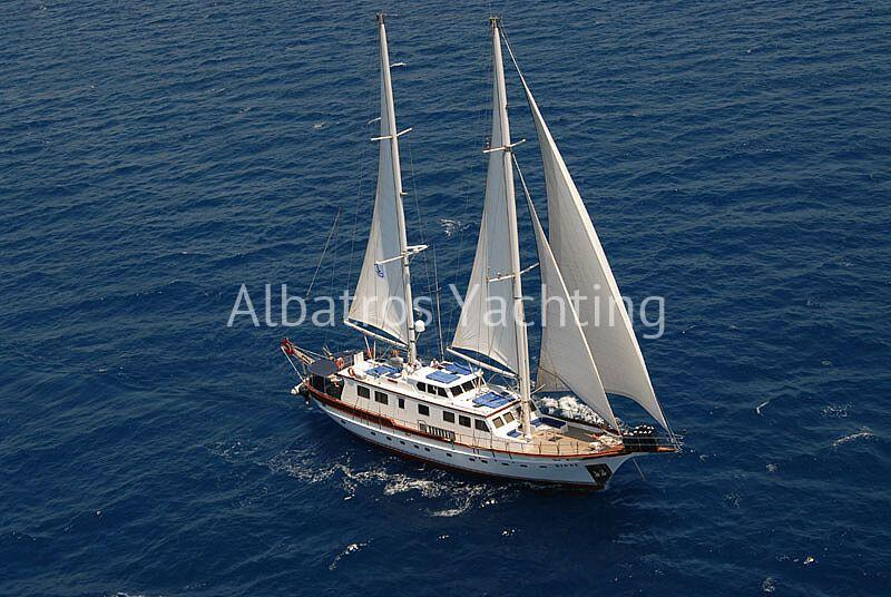 Sirius Rigel was renovated in 2016 with 5 luxury cabin . - Albatros