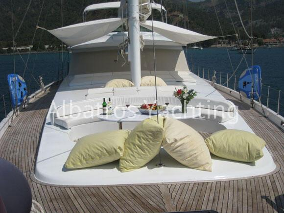 Charter Angelo II and discover the Turkish coast . - Albatros